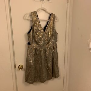 Forever 21+ gold metallic dress size 2X